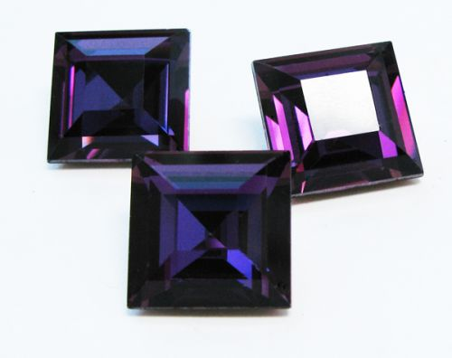 SQ12 Dark Orchid (HYT) Square 12 mm Preciosa
